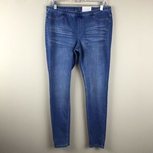 HUE denim stretch leggings - NEW WITH TAGS!